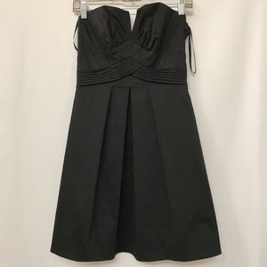 WHBM STRAPLESS V NECKLINE POCKETS MINI BLACK 0